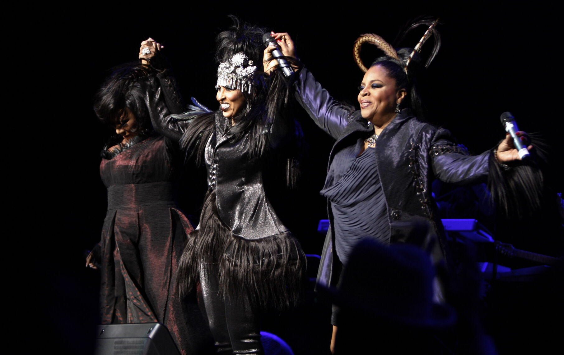 """<p>Patti LaBelle, from left, Nona Hendryx and Sarah Dash of the group Labelle greet the crowd during a concert in Los Angeles on Jan. 29, 2009. Dash, who co-founded the all-female singing group best known for their raucous 1974 hit """"Lady Marmalade,"""" has died. She was 76.</p>"""